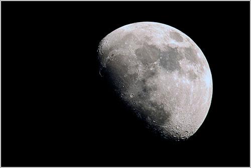 Luna, 13 de abril de 2011
