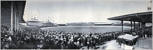 Panorama of Test Cricket at the Sydney Cricket Ground, 1903 / de Melvin Vaniman