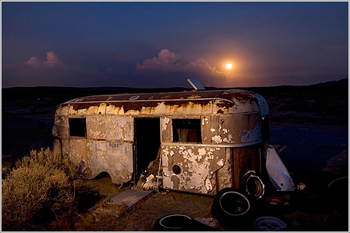 Trailer Moonrise  2006