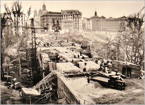 Viaducto, Palacio Real y Calle San Francisco el Grande, Madrid (1942) / Cortesía de José Luis Vidaller