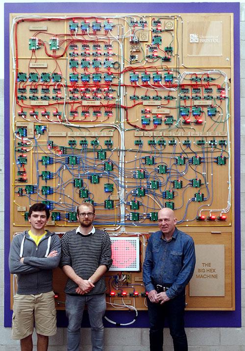 La máquina Big Hex: un tosco, simple y genial ordenador de 16 bits para aprender informática