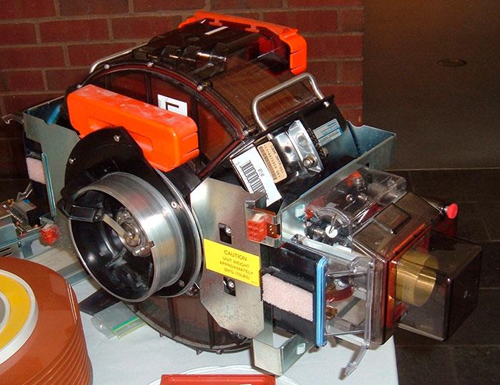 Disco duro IBM 3380 - 1 GB