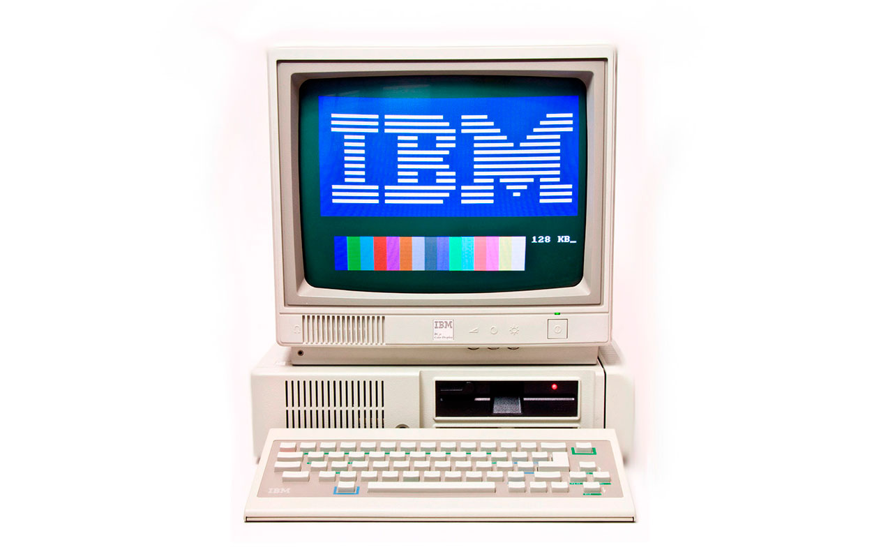 IBM PCjr (CC) Rik Myslewski @ Wikimedia