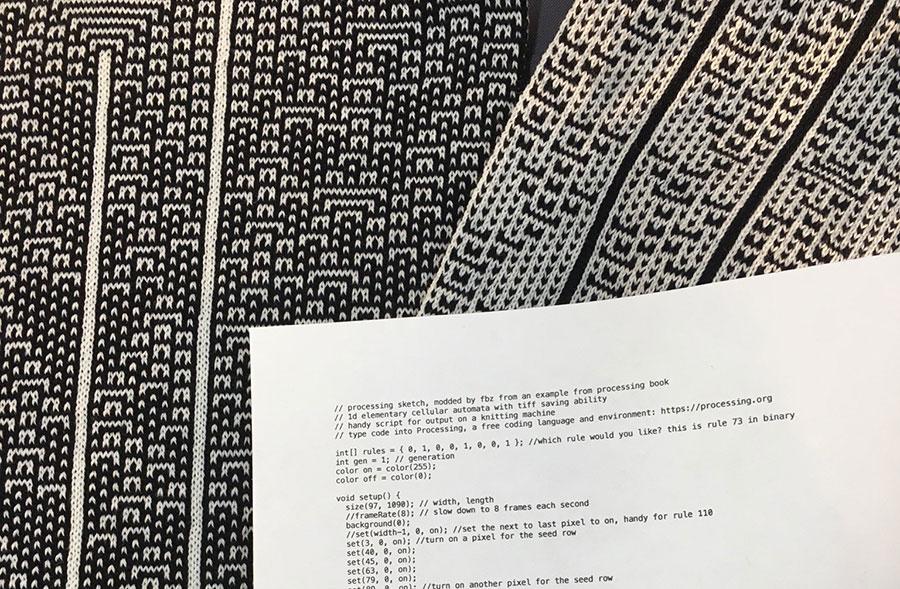 Bufandas tejidas con algoritmos matemáticos y autómatas celulares / Fabienne