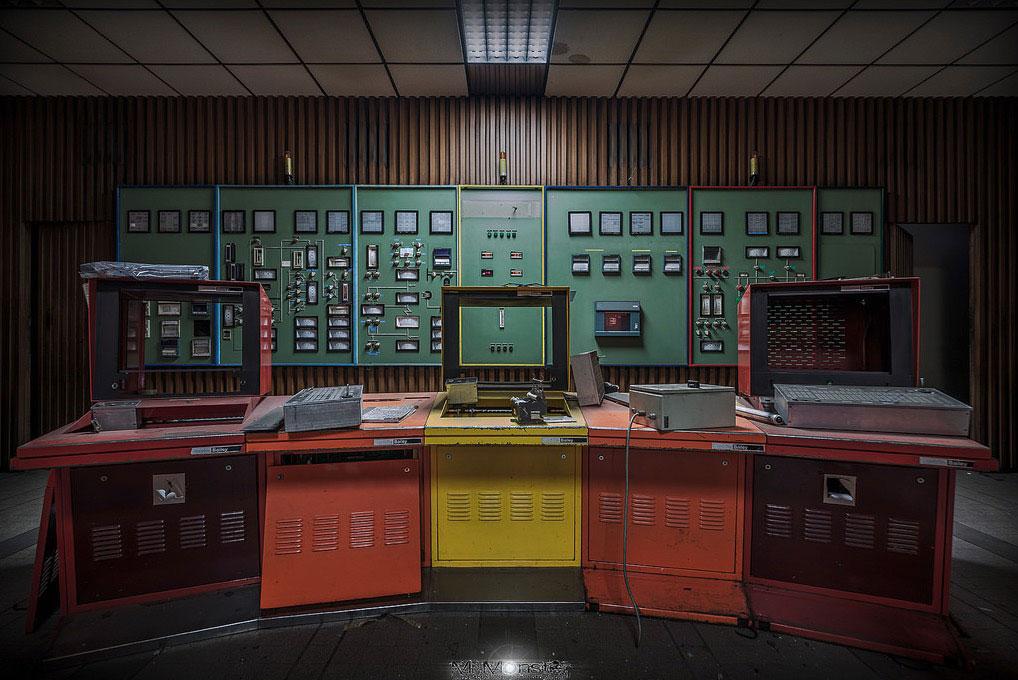 Colors of Control (C) Mя.Møпstɛr