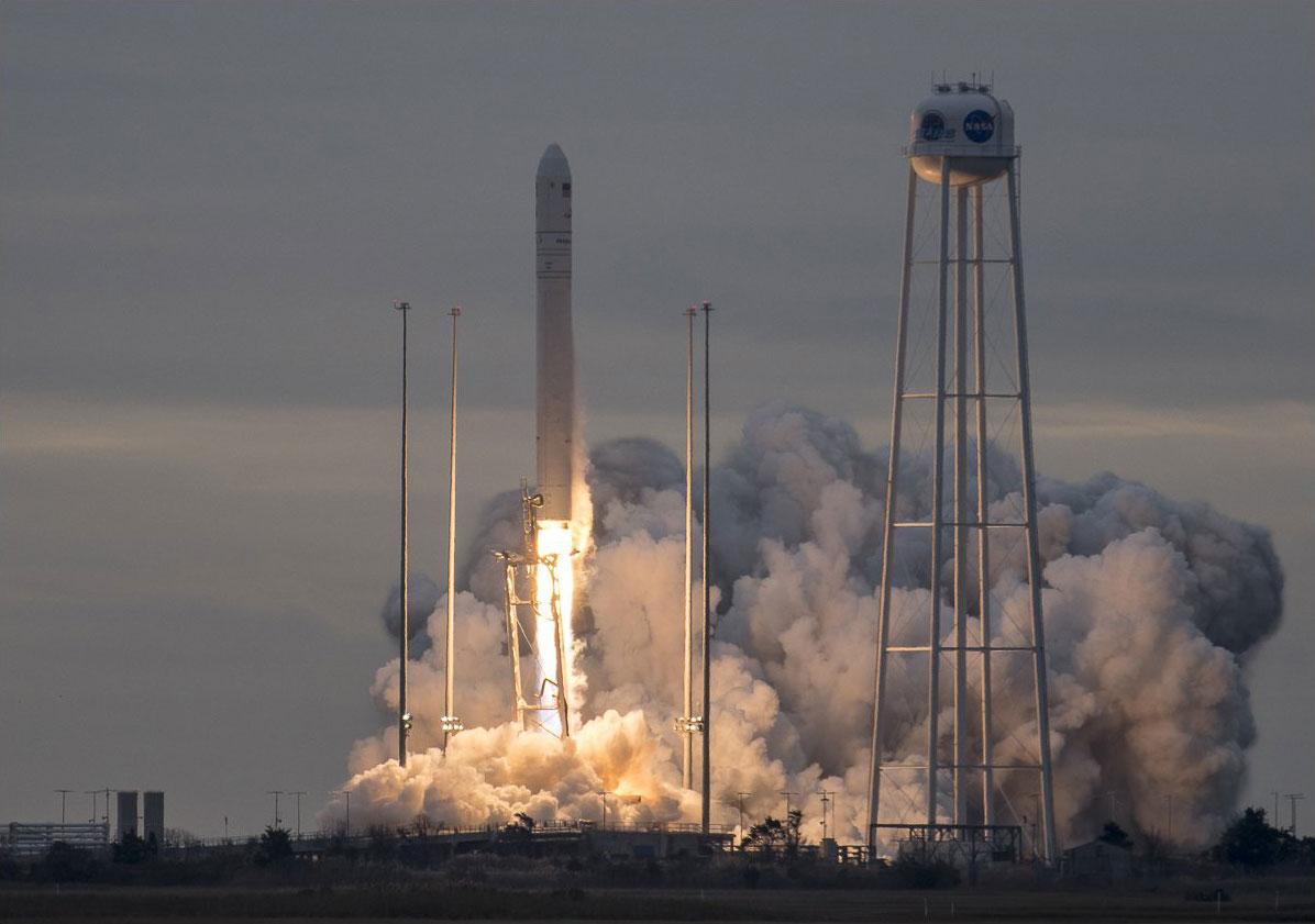Despegue de la Cygnus OA-8