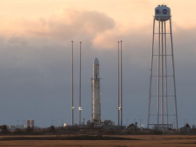 La Cygnus 8 y su cohete listos para el lanzamiento