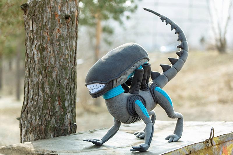 Un adorable Alien de peluche