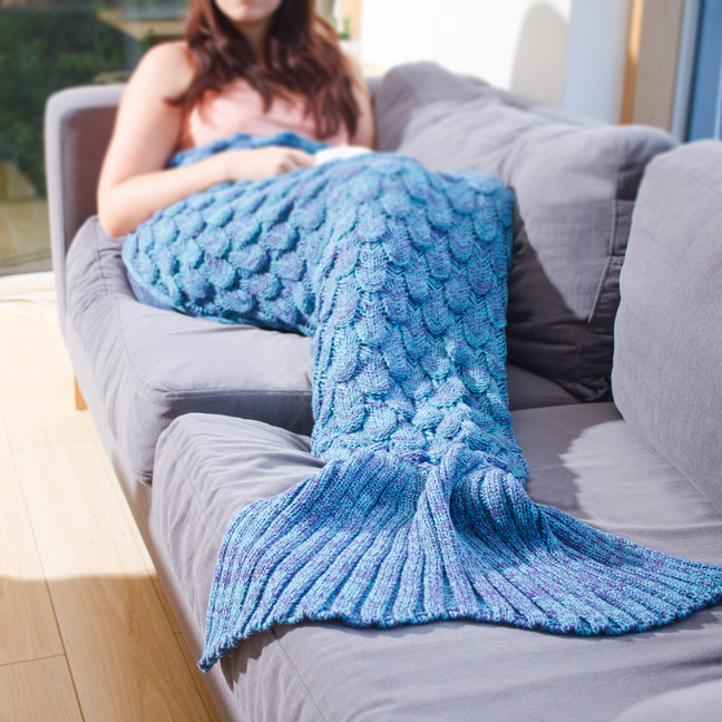 Cozy knitted mermaid tail blanket2
