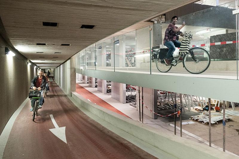 Utrecht biggest underground bike parking / Gemeente Utrecht
