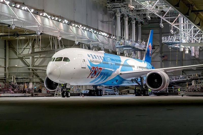 El Boeing 787 número 787
