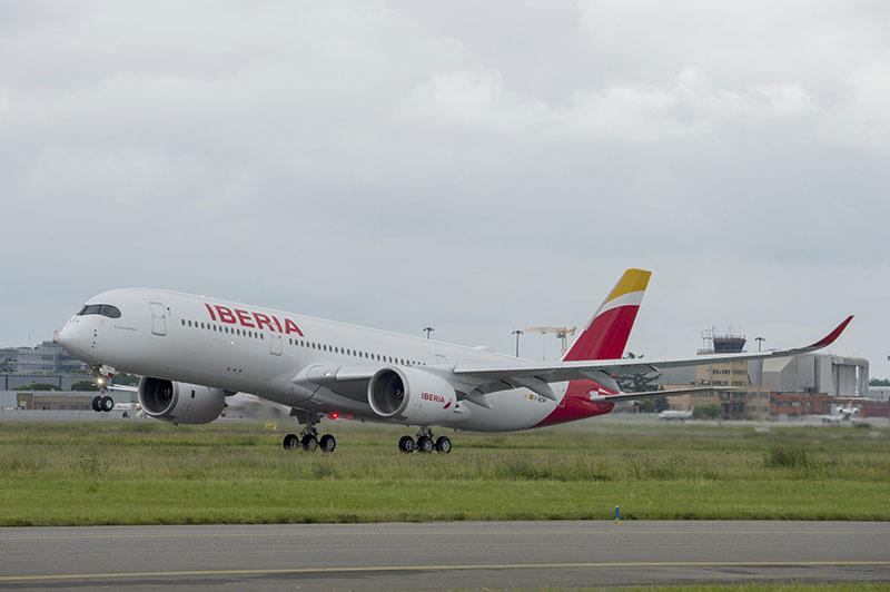 Primer vuelo del primer A350 de Iberia