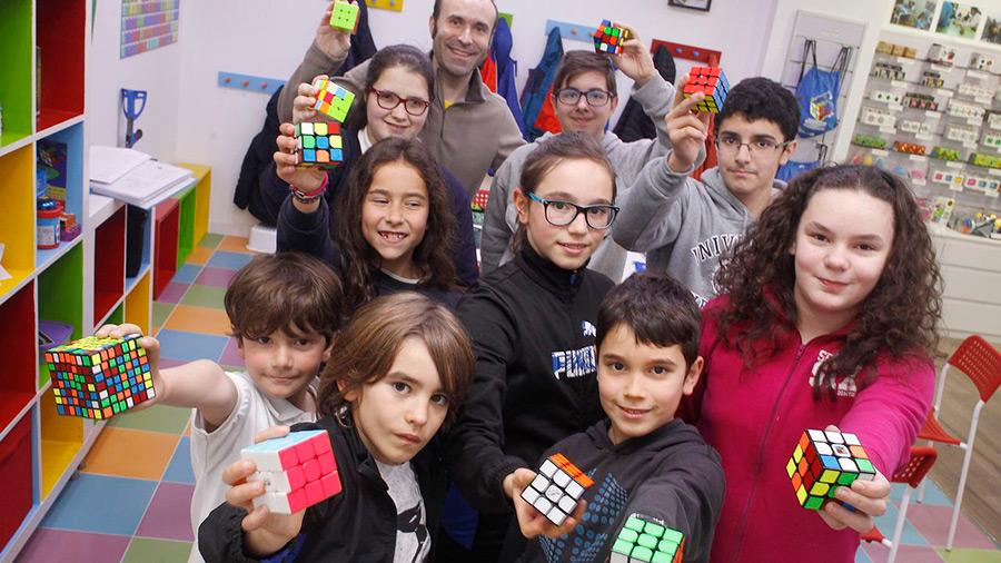 Academia Internacional del cubo de Rubik