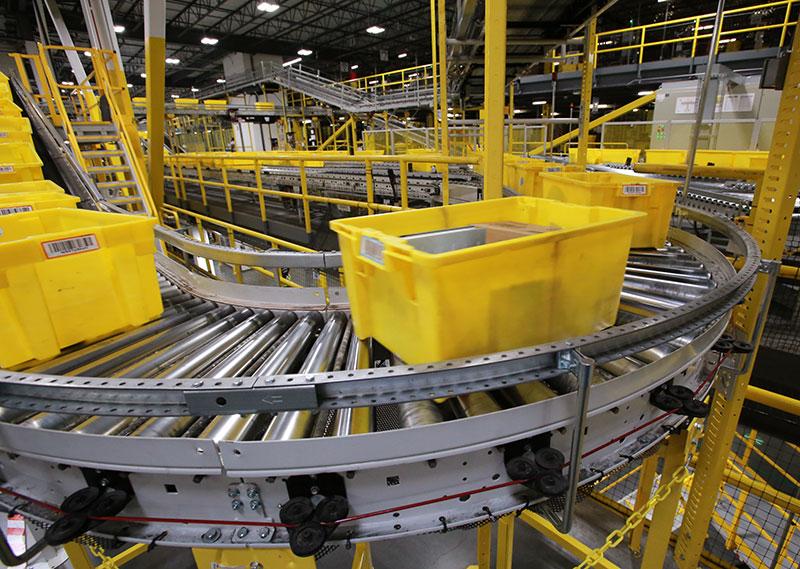 Cajas amarillas en movimiento