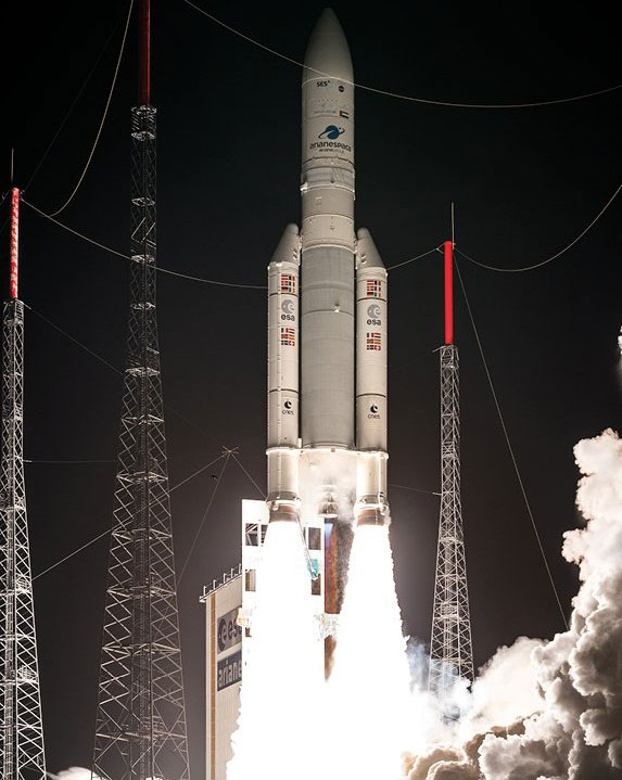 Despegue del Ariane VA241