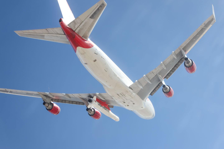El LauncherOne bajo el ala