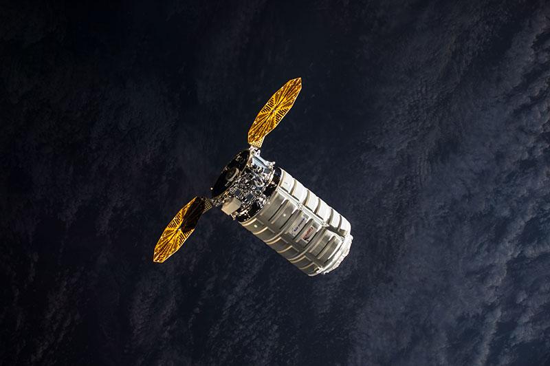 Una Cygnus en órbita
