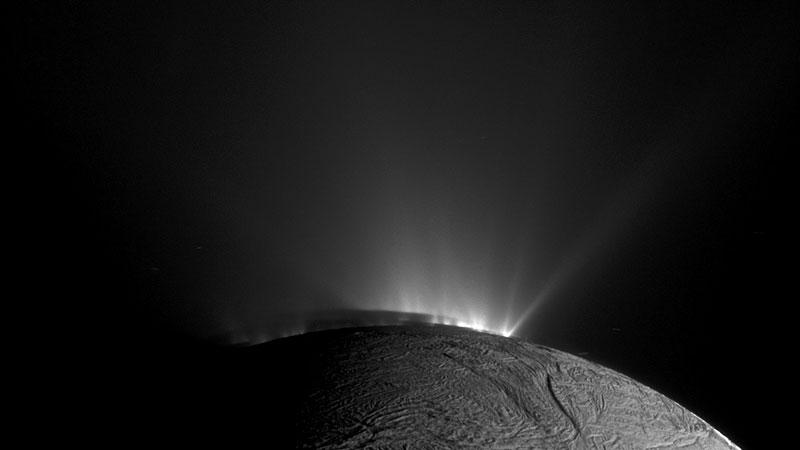 Chorros en el polo sur de Encélado
