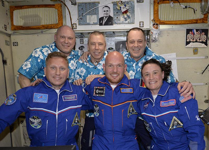 Foto de familia de la Expedición 56