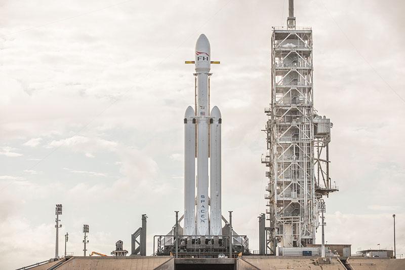 El Falcon Heavy en la plataforma 39A