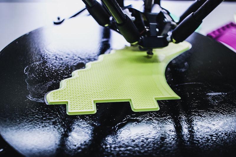 Impresora en 3D trabajando – Inés Álvarez Fdez en Unsplash