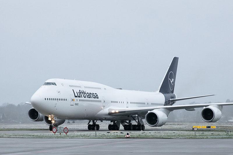 Otra vez el 747, pero de frente