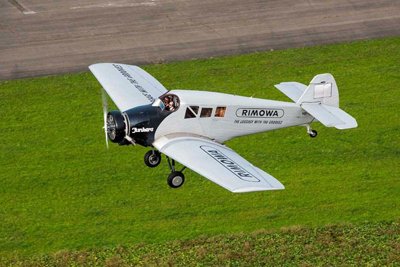Primer vuelo del Rimowa F 13