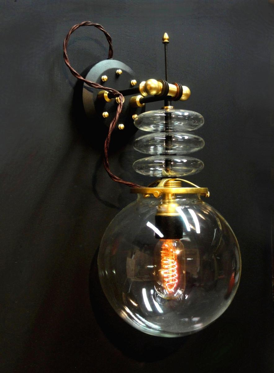 Lámparas «científicas» y steampunk / Leslie Donovan