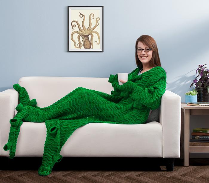 Tentacuddle blanket