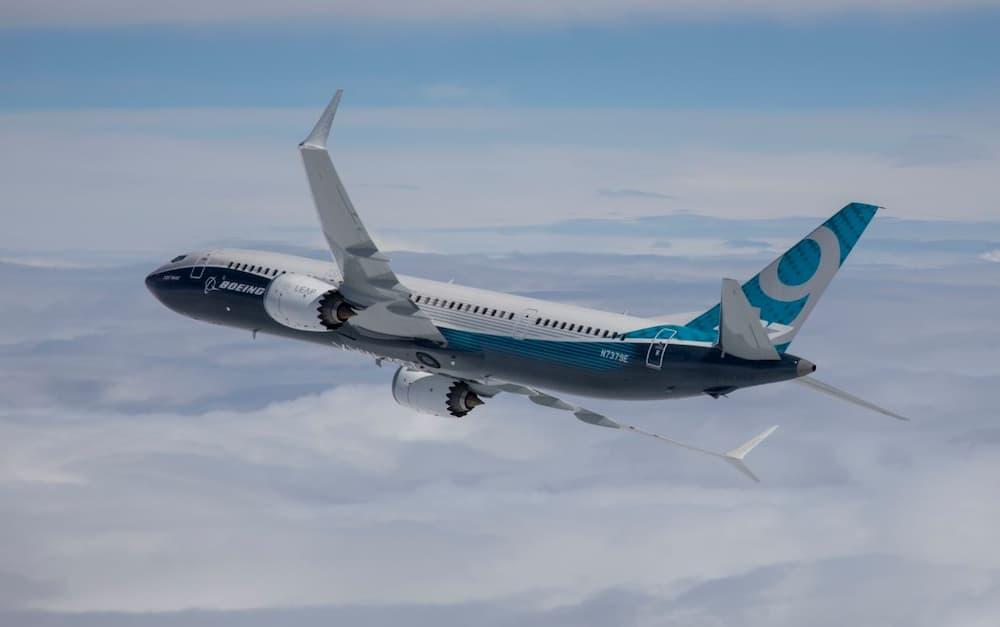 Un 737 MAX en vuelo