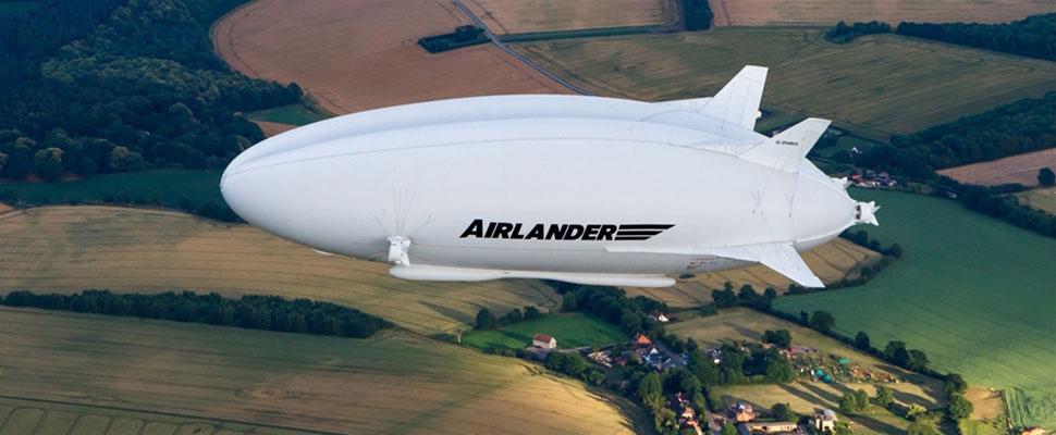 Prototipo del Airlander 10 en el aire