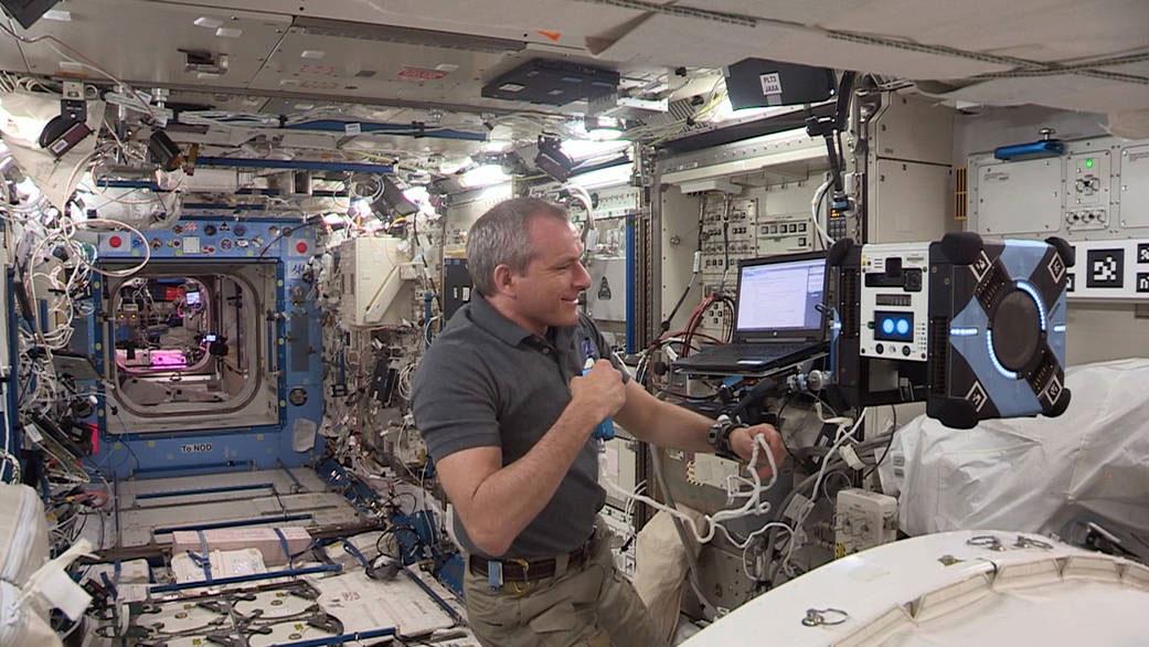 Los robots Astrobee ya vuelan solos por la Estación Espacial Internacional