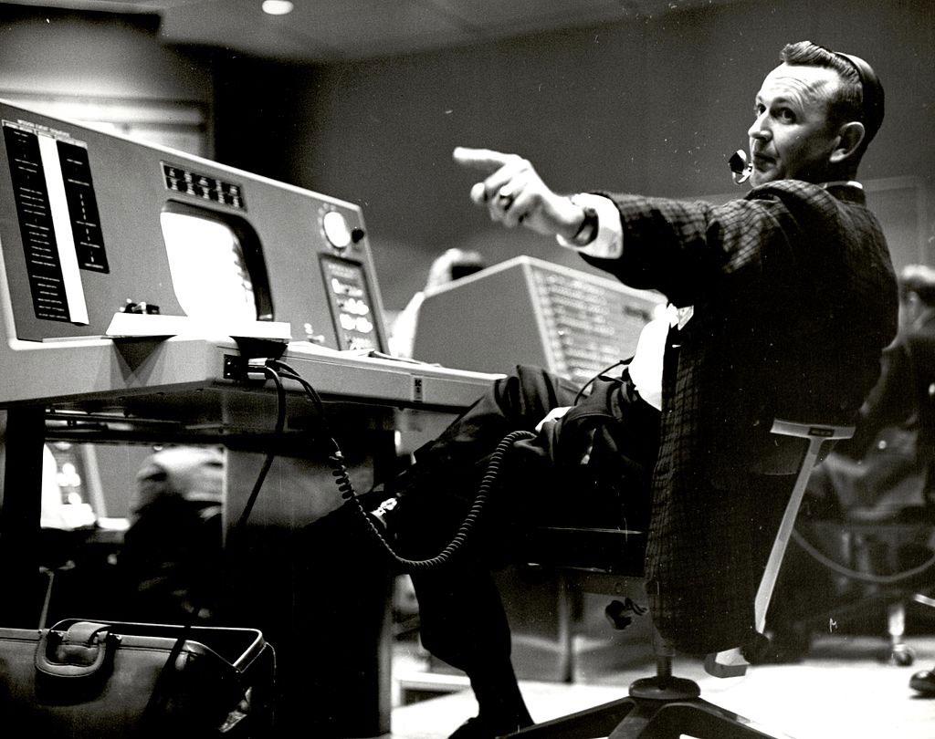 Chris Kraft en el centro de control de las misiones Mercury