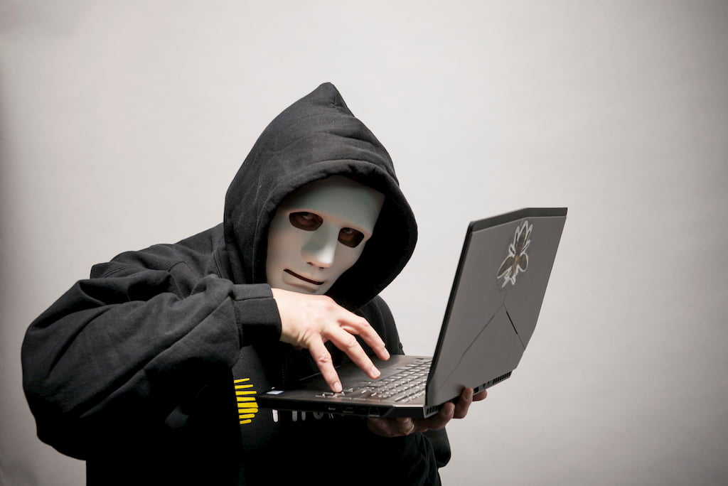 Creepyhand Hacker (CC) Hivint-Stock-Photos @ Flickr