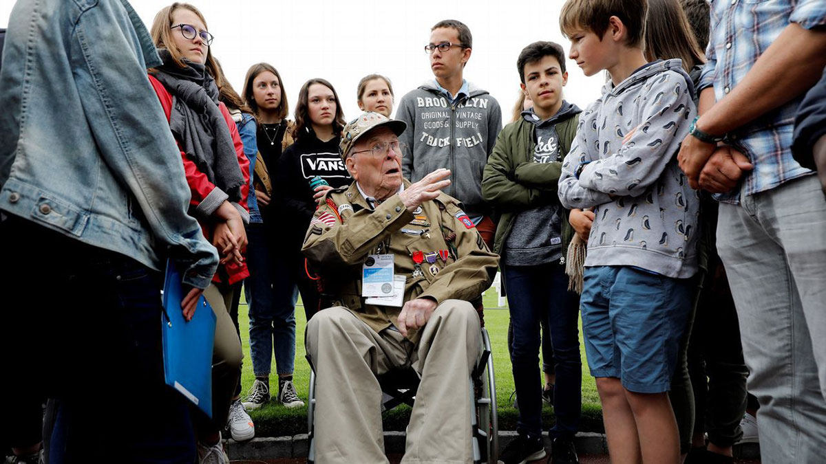 El veterano George Shenkle durante las celebraciones del 75 aniversario