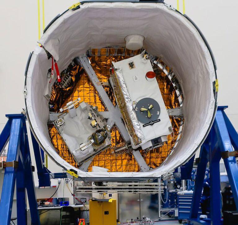 OCO-3 y STP-H6 en el maletero de la Dragon 17