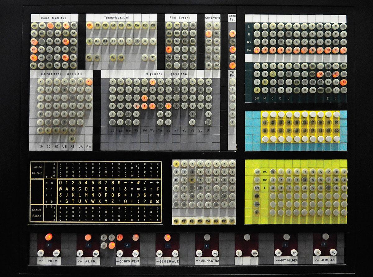 Consola del operador del ELEA 9003 - Foto por Elisabetta Mori