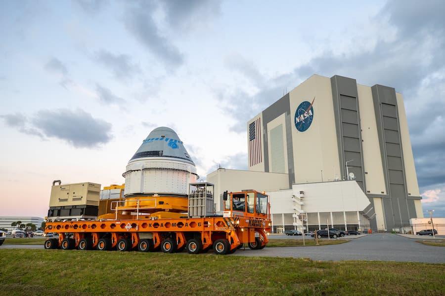 Delante del VAB