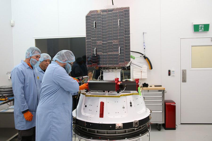 El Global 3 durante su preparación para el lanzamiento