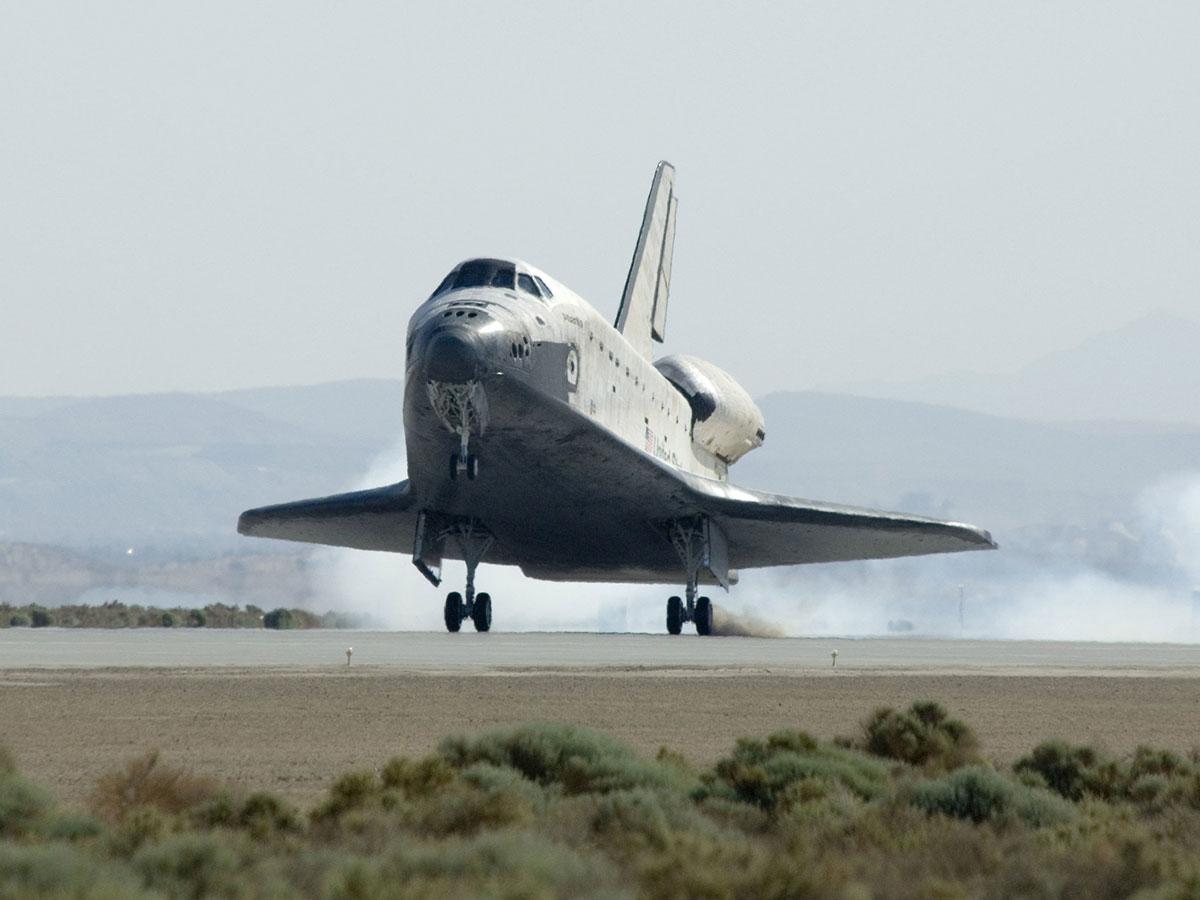 Aterrizaje del Altantis tras la misión STS-125