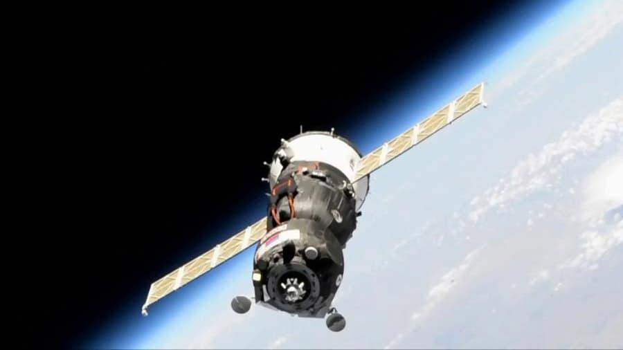 La Soyuz MS-14 cerca de la EEI
