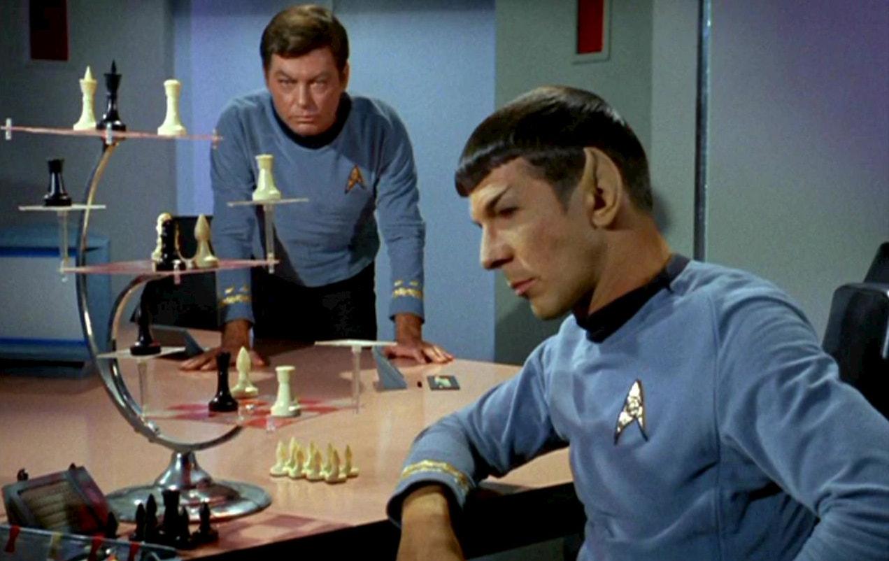 Spock + McCoy 3D Chess / Star Trek