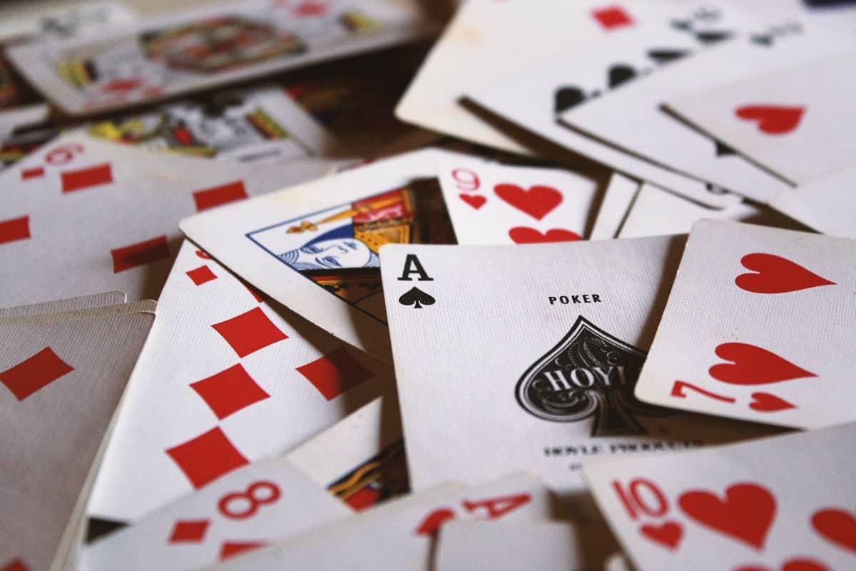 Nueva victoria de las máquinas al póker, esta vez al Texas Hold'em en una mesa de seis jugadores