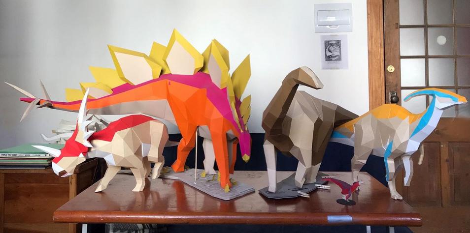 Dinosaurios de papel / Seba Naranjo