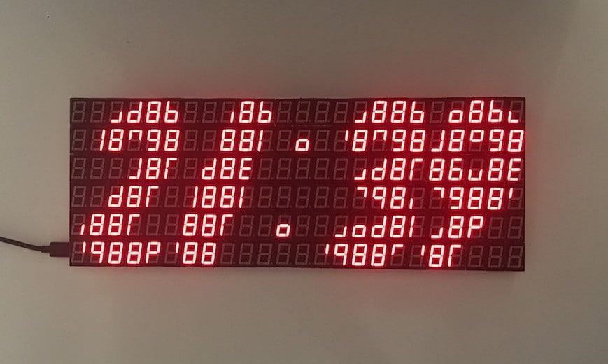Un reloj construido con 144 displays de 7 segmentos / Krukerfluk