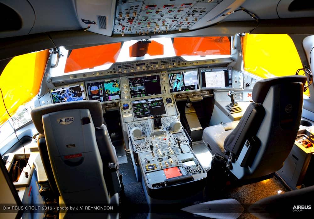 Cabina de un A350 – Airbus / J. V. Reymondon
