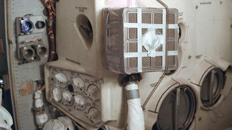 Filtro de CO2 versión McGyver – NASA