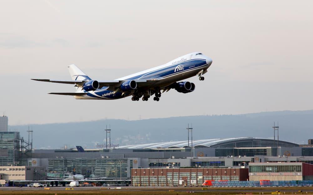 Un Boeing 747-8HV(F) saliendo de Frankfurt – Wicho