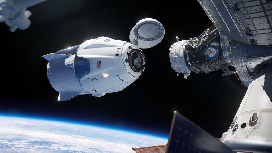 Impresión artística de una Crew Dragon a punto de atracar en la EEI - NASA