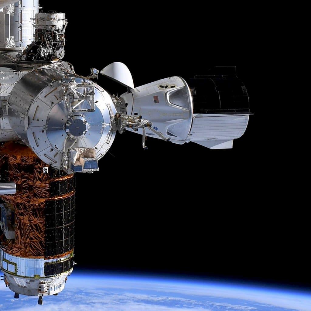 La Endeavour atracada en la EEI - NASA/Doug Hurley